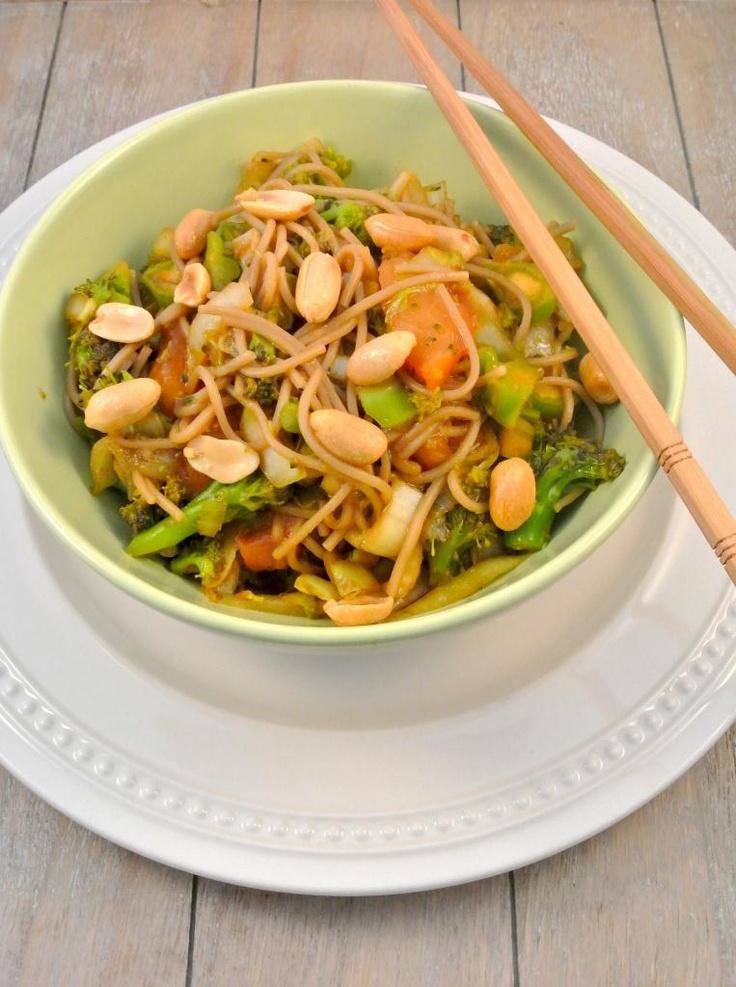 Lekker en Snel: Oosterse witlof met broccoli en boekweitnoedels