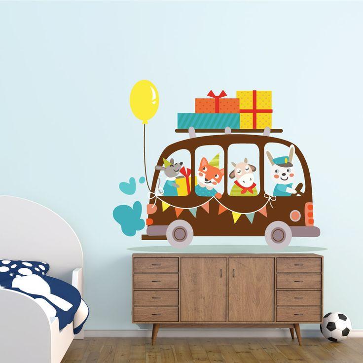 Αυτοκόλλητα τοίχου για παιδικό δωμάτιο - ΛΕΩΦΟΡΕΙΟ  Σετ από παιδικά αυτοκόλλητα τοίχου(1 καρτέλα 55x130 εκ).  Η τοποθέτηση γίνεται εύκολα και γρήγορα , χωρίς να αφήνουν κανένα σημάδι κατά την αφαίρεση τους.        Η παράδοση γίνεται σε 4 εργάσιμες ημέρες.