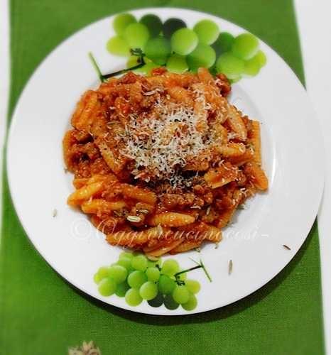 Is Malloreddus-Gli Gnocchetti sardi, con salsiccia e finocchietto