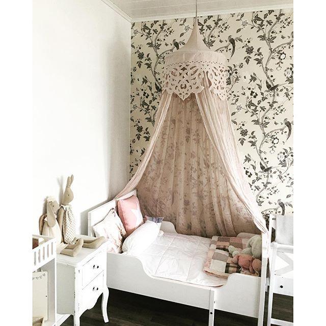 die besten 17 ideen zu baldachin auf pinterest kinder. Black Bedroom Furniture Sets. Home Design Ideas