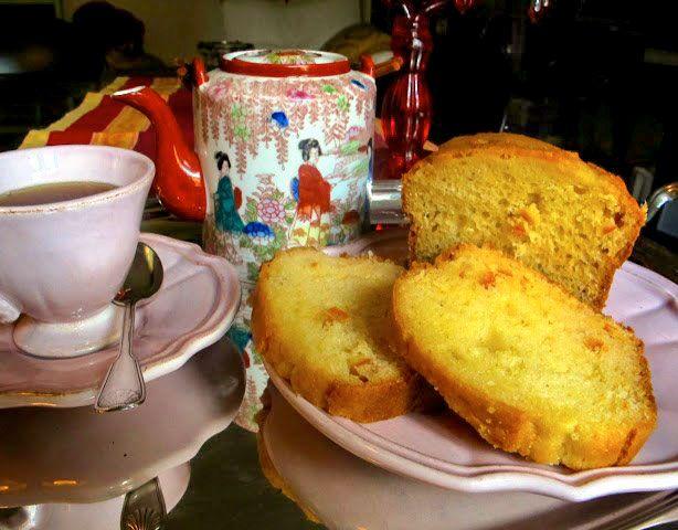Le #ricette di #Coquinaria - Plum cake all'arancia #dietetico con olio e #fruttosio - E' l'ora del the a casa di Bruna Cipriani, con una tazza di Earl Grey e una fettina di plum cake. E anche se occorre stare attenti al #colesterolo ed ai rialzi glicemici (motivo per cui Bruna ha sostituito il burro con l'olio di mais e lo zucchero con il fruttosio) la sperimentazione non è affatto male...