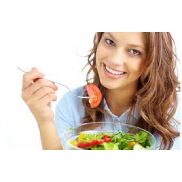Dear girls, happy weekend ! Cuma ngingetin supaya tidak lupa makan sayur disetiap menu makanan yang disantap. O iya, aku ada info ni manfaat sayuran utk kulit.  Sayuran bisa mencegah timbulnya tanda-tanda penuaan dan membuat kulit tampak muda serta kenyal. Di dalam sayuran segar terdapat phytonutrient, vitamin C dan tinggi kandungan airnya. Sebagian besar sayuran memiliki 85 persen hingga 95 persen air, yang bisa membantu melembabkan kulit sekaligus mengurangi kerutan. Sementara itu…