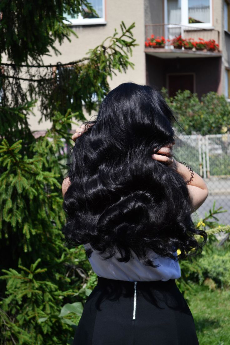 hair, hair care, hair DIY, long hair, curly hair, gelatin spray, dark hair