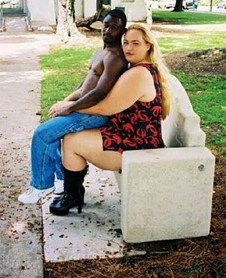ces-couples-bizarres-mal-assortis-on-ne-choisit-pas-qui-on-aime-11