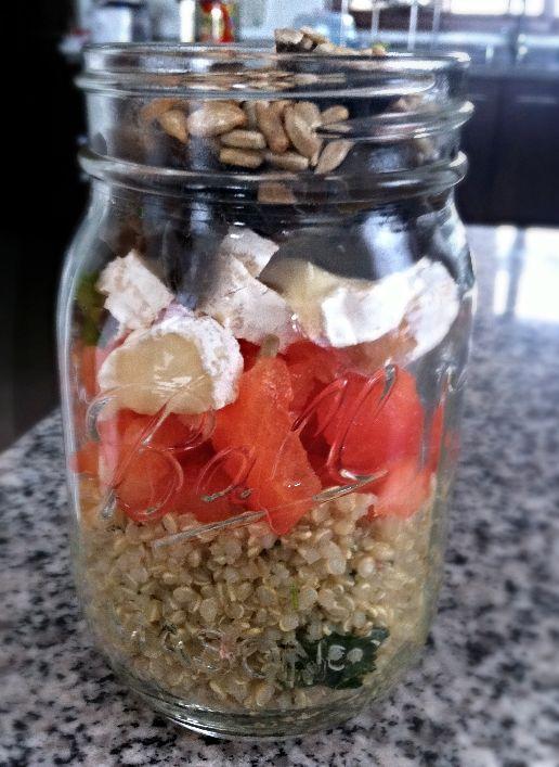 Ensalada de Quinoa y Brie en Frasco! www.lavidaesdulce.net