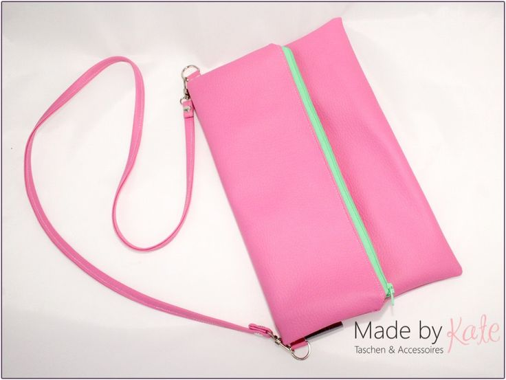 Kleine Handtasche, Umhängetasche, Clutch mit Gurt, rosa Clutch, rosa Handtasche, Klapptasche, Abendtasche, von madebykateBerlin auf Etsy