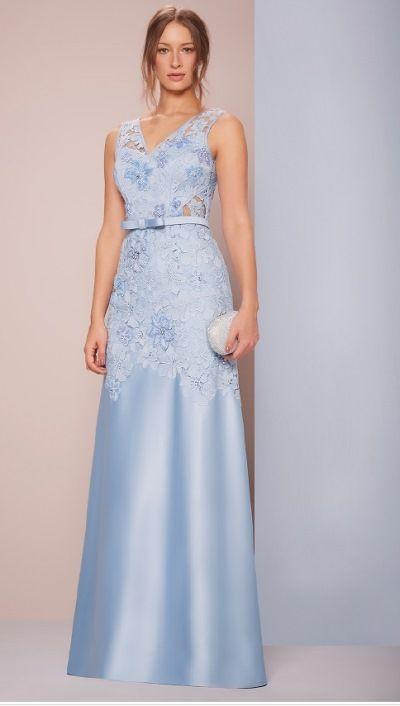 vestido de festa azul claro com renda
