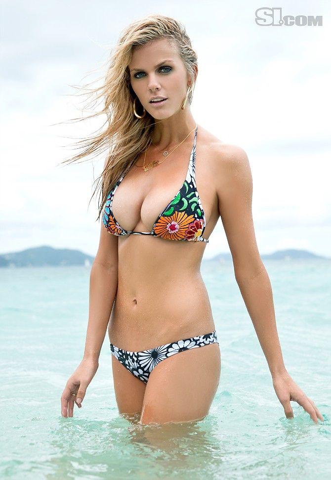 Imagen de http://telecogeek.com/wp-content/uploads/2011/02/Brooklyn-Decker-si-swimsuit-2011-17.jpg.