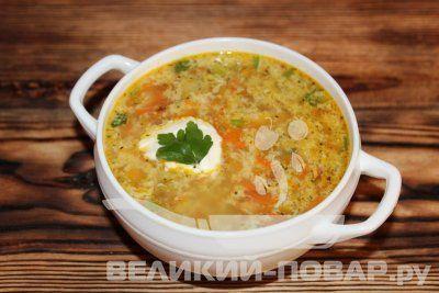 Суп с макаронами и горошком http://www.great-cook.ru/1022-sup-s-makaronami-i-goroshkom.html   Рецепт прекрасно подходит для детского питания. По желанию можете добавить 100 грамм куриного мяса. Его нужно будет промыть, нарезать мелкими кубиками, обжарить на сковороде до готовности, а потом добавить лук и морковь. Картофель также можете добавить (100 грамм), если не придерживаетесь диеты.  61 кКал на 100 грамм готового продукта. Суп готовится за 20 минут.