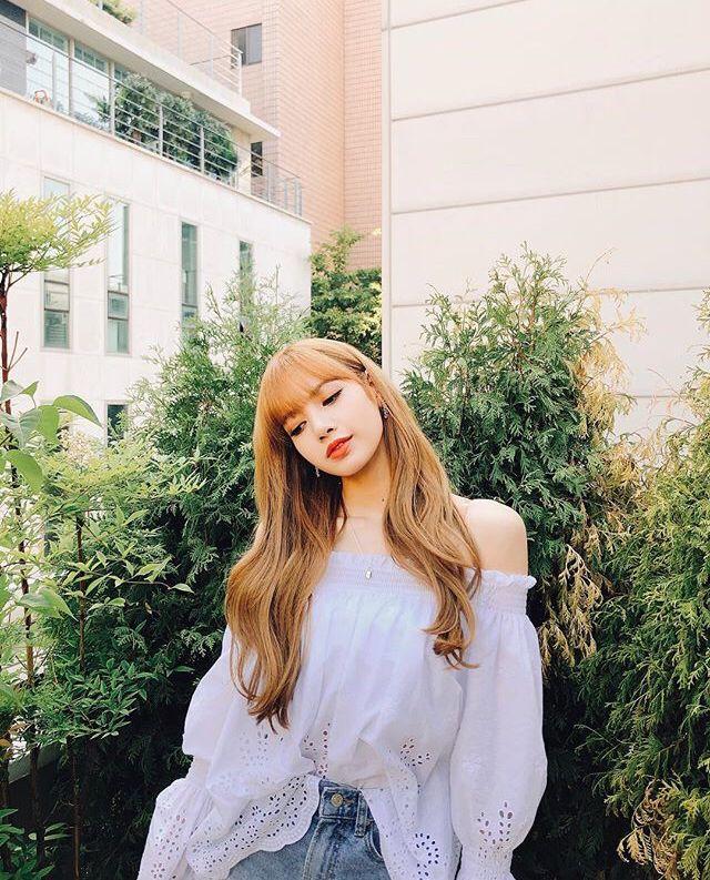 Cute Princess Live Wallpaper Lisa S Instagram New Post In 2019 Blackpink Blackpink
