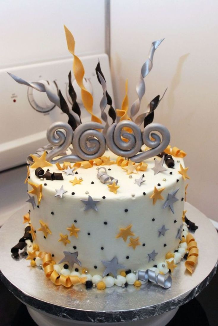 Cupcake Decorating Ideas New Years Eve : 1000+ ideas about New Year s Cake on Pinterest Cakes ...