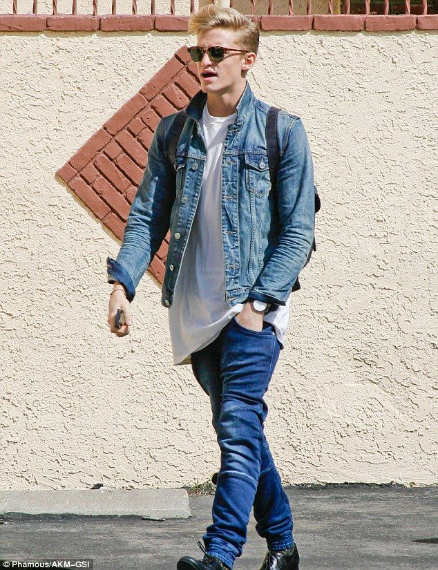 Cody Simpson with His Shirt Off | He wasn't even born in the 80s! Cody Simpson rocks the double denim ...