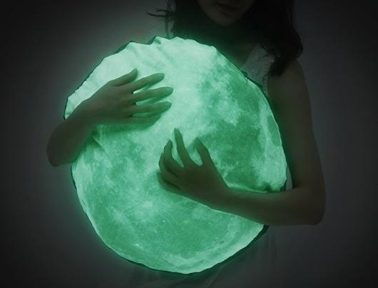 glow in the dark moon pillow by i³ L a b   http://i3lab.com/shop/
