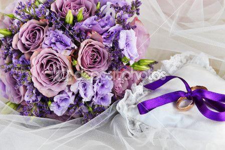 buquê de flores roxas — Imagem Stock #33102705