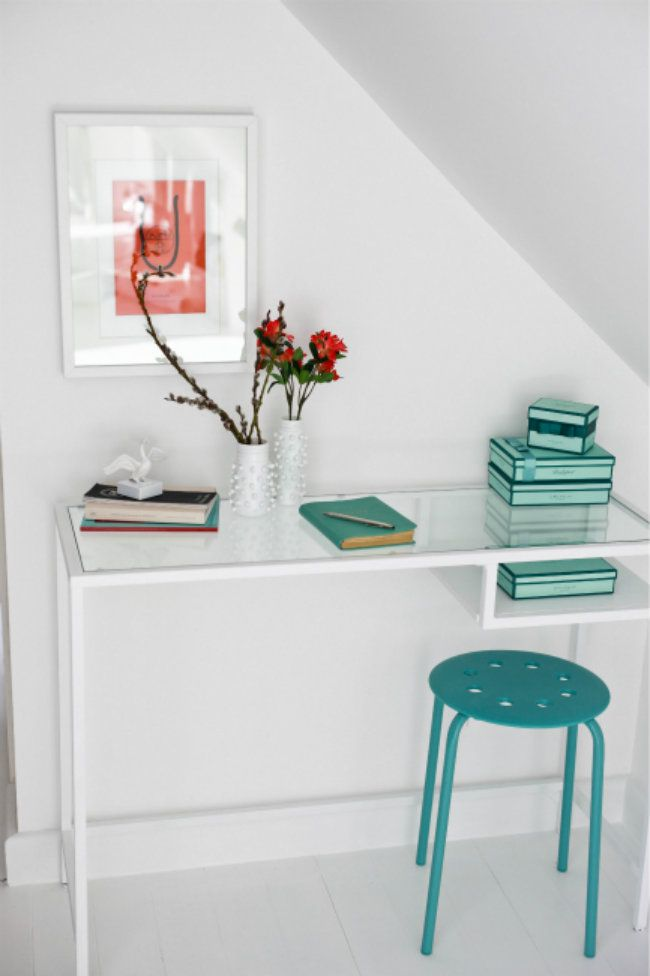 ikea vittsj desk painted to white diy for home pinterest modern desk small rooms and. Black Bedroom Furniture Sets. Home Design Ideas