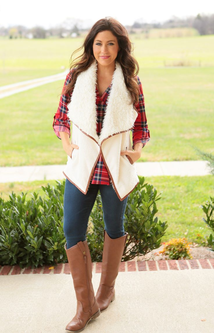 Cozy, trendy and so perfect with any top underneath! Pair with jeans and boots for a chic Fall/Winter Look!\ *Wine and White have pockets, Black does not* Size Chart: S:0-6 M:6-8 L:10-12