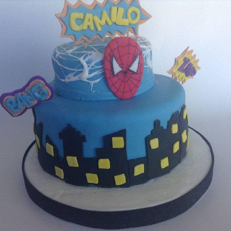 Spaiderman es uno de los super héroes de los niños y Camilo quiso que fuera el motivo de su torta!!! . . #Fanirelendulzatuvida  #tortadecorada #fondant #tortadelhombrearaña #cakespiderman #hombrearaña #spiderman #cumpleaños #torta #celebracion #tortaparaniños #buenosaires #argentino #saborvenezolano #venezolanosenargentina