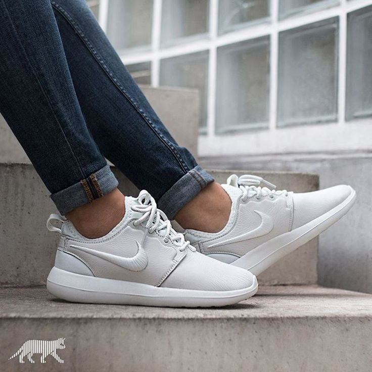 Nike Roshe Two 'Iguana' Courtside Sneakers