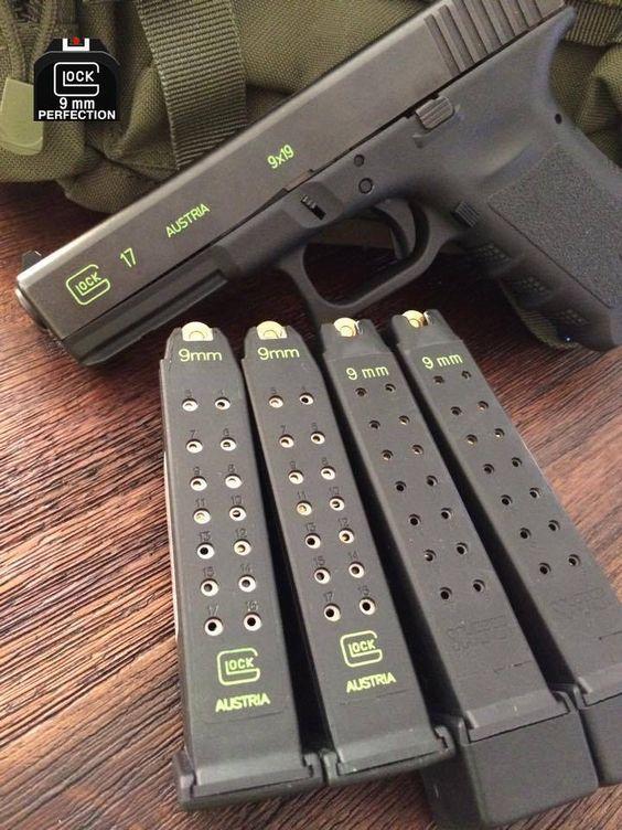GLOCK - G17 Gen 4 4.49IN 9MM Handgun Semi Auto Pistol Gun GAS NITRIDE FIXED NIGHT SIGHTS 17+1RD