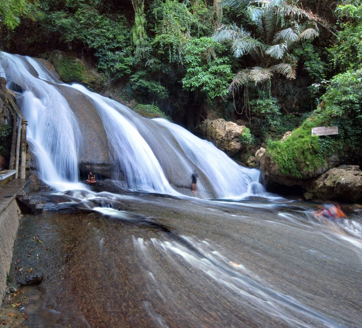 Bantimurung Waterfalls, Maros | South Sulawesi - Indonesia    The Bantimurung waterfalls are famous in Sulawesi because of its beauty (and the fact that this is a waterfall one can swim in!), and the nearby kupu-kupu (butterfly) breeding grounds. It is about 70 Km away from Ujung Pandang (Makassar).    By: Rick Wezenaar