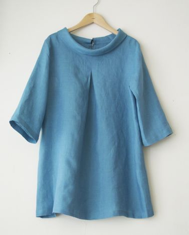 Product blouse / roll-neck A-line blouse