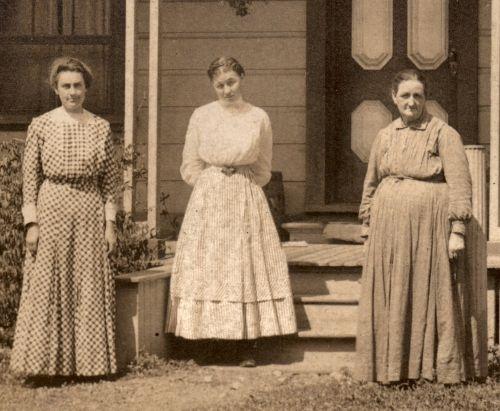 Girls 1910 Clothing Farm
