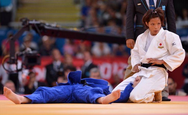 Olympics 2012: Kaori Matsumoto (Judo, bis 57 Kilogramm ): Die Japanerin (r.) holte im Finale gegen die Rumänin Corina Caprioriu das erste Gold für ihr Land.