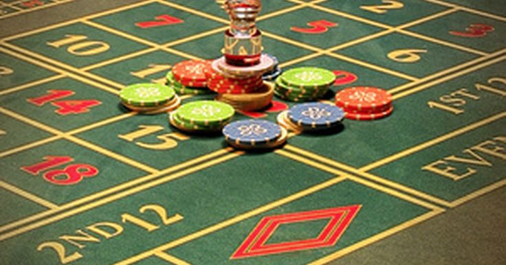 """Ideas para una fiesta temática de casinos . Las fiestas temáticas de casino pueden ser muy divertidas. Es una oportunidad para que todos se relajen y jueguen en un ambiente seguro y familiar. Hay muchas cosas que puedes hacer, desde decoraciones y comida hasta invitaciones y entretenimiento. Ya sea que decidas hacer una fiesta con el tema """"casino de Las Vegas"""", el concepto """"casino Bond"""", el ..."""