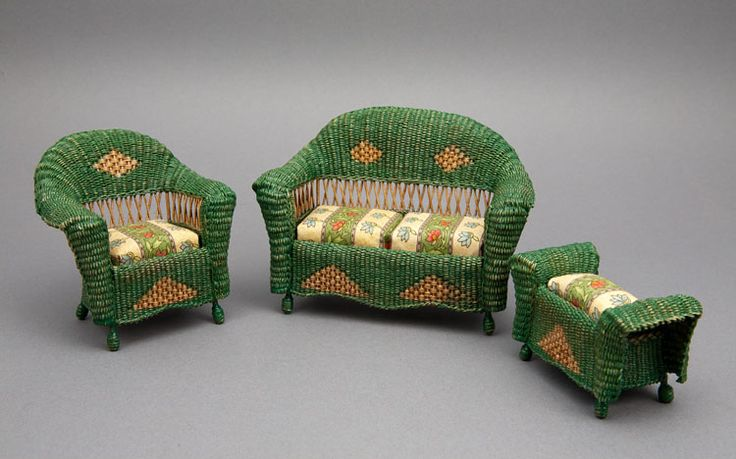 Good Sam Showcase of Miniatures: At the Show - Settee, arm chair and ottoman from about 1895.