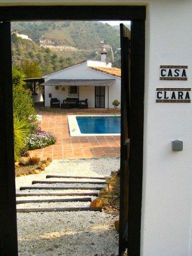 Cortijo Casa Clara, aantal personen 2-4., 2 slaapkamers, met 1 badkamer Casa Clara is een romantisch traditioneel Spaans huis in het schitterende Andalusische binnenland. Op slechts 30 minut...