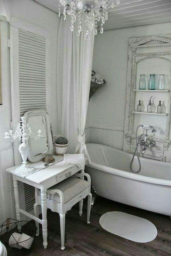 Shabby Chic Inspired Bathroom