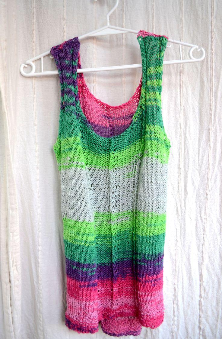 Top tricotat (130 LEI la giulia.stroe.breslo.ro)