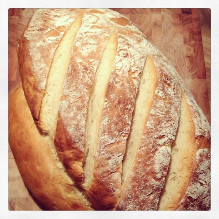 Enkelt ljust bröd med honung och olivolja