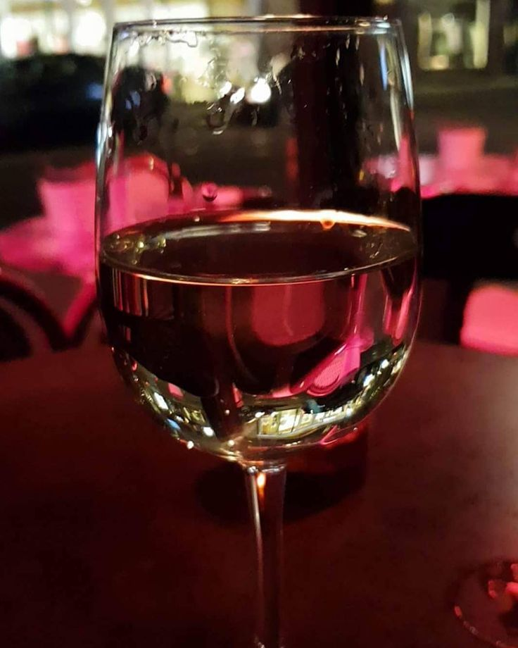 Noen ganger er det alt en trenger. #vin #wine #whenlifeisajourney