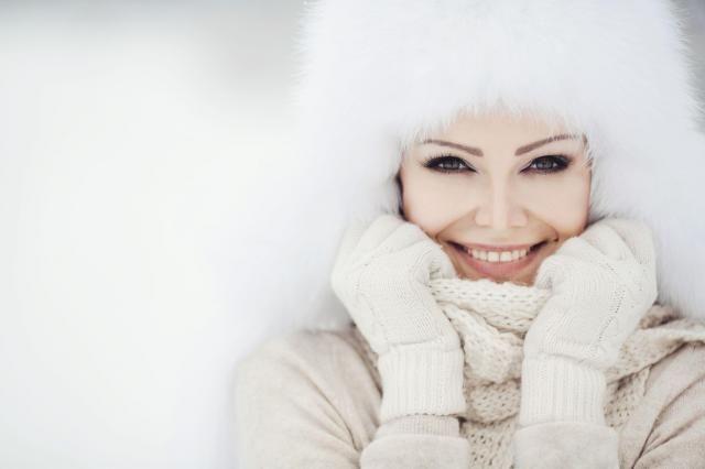Jak prawidłowo zadbać o skórę i włosy zimą?