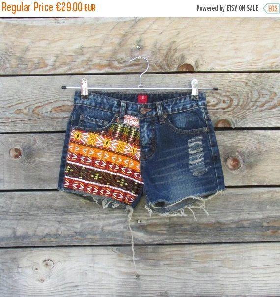 Mini short en jeans hippie bohème jeans par LaCaravaneTzigane