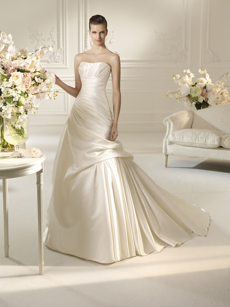 48 best Gala Novias_Colección White One images on Pinterest ...