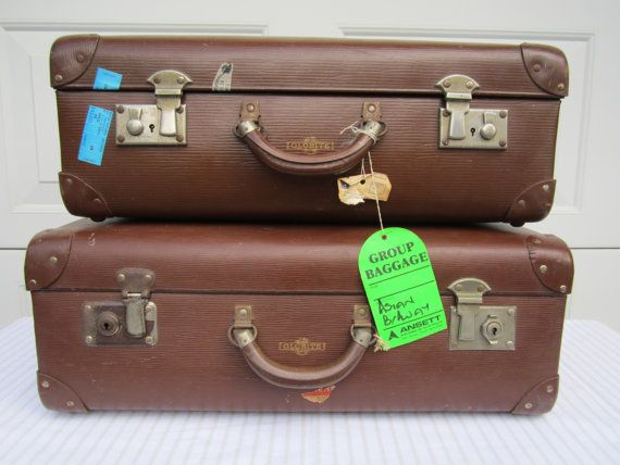 VINTAGE 1950s GLOBITE suitcase large chocolate brown by Arcq, $60.00