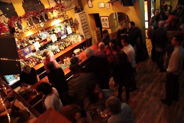 El Cuento Bar. Barra con amigos