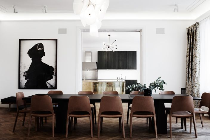 Photo: Pia UlinDining Room, Interiors Photography, Dining Chairs, Pia Ulin, Dinner Parties, Diningroom, Dining Spaces, Dining Tables, White Wall