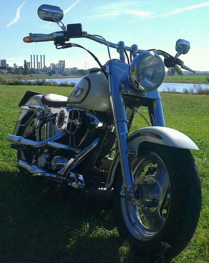 Immer wenn es um Moped geht ist Harley Fat Boy vorn dabei. Bei mir auf jeden Fall auf Platz 1