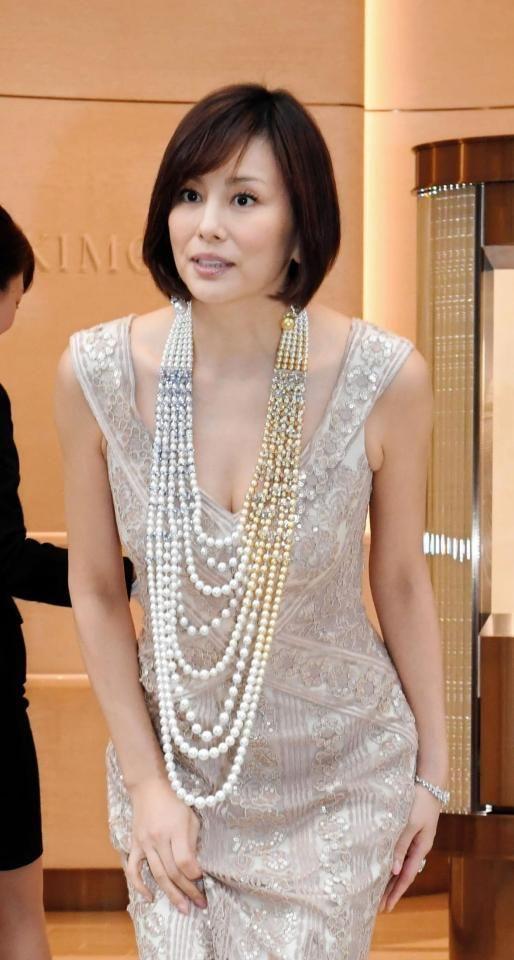 米倉涼子、総額2億円の高級ジュエリーに歓喜「緊張しています!」 #米倉涼子 #ジュエリー