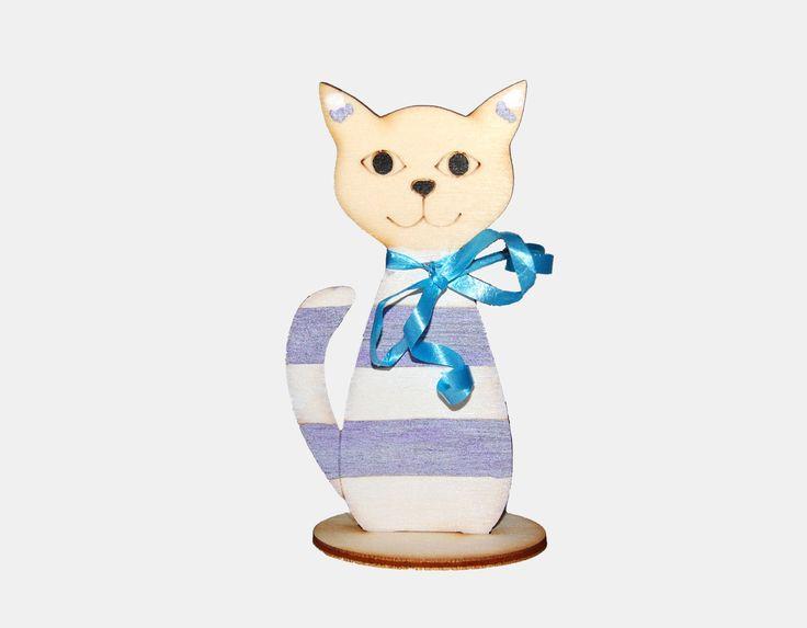 Kočka+ve+stojánku,+kreativní+materiál,+hračka+Rozměry+š+x+v:+8,5x+14,7cm+Dřevěná+ozdoba+ve+tvaru+kočky.+Krásná+tak+jak+je+nebo+můžetekreslit+či+malovat..,+dle+Vaší+fantazie.Součástí+balení+je+i+stojánek.+Složení+je+jednoduché.+Stačí+kočku+zasunout+do+připravených+otvorů.+Materiál-dřevěná+překližka+o+síle+3mm.