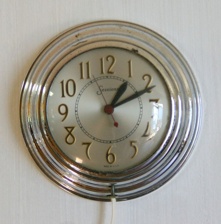 Vintage Sessions Clock Company Round Wall Clock