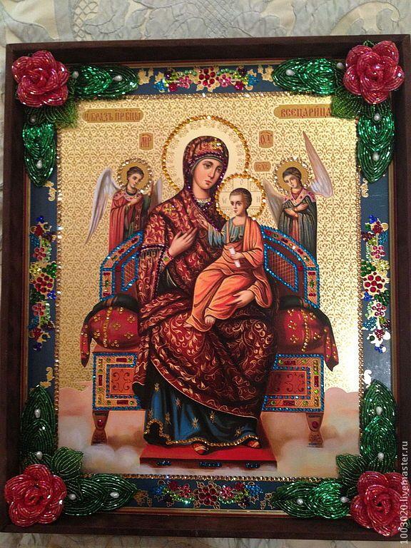 Вышитая стразами Сваровски икона Божьей Матери