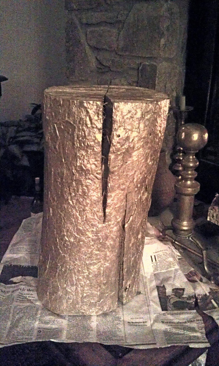 Saw a golden log in a store for $300... Recreated it using a log and spray paint. ... Uploaded with Pinterest Android app. Get it here: http://bit.ly/w38r4m
