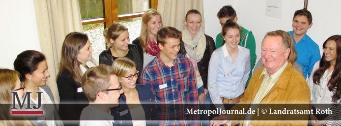 (RO) Training für graue Zellen geht immer  Ungewöhnlicher Unterricht für Verwaltungs-Azubis - http://metropoljournal.de/metropol_nachrichten/roth/roth-training-fuer-graue-zellen-geht-immer-ungewoehnlicher-unterricht-fuer-verwaltungs-azubis/