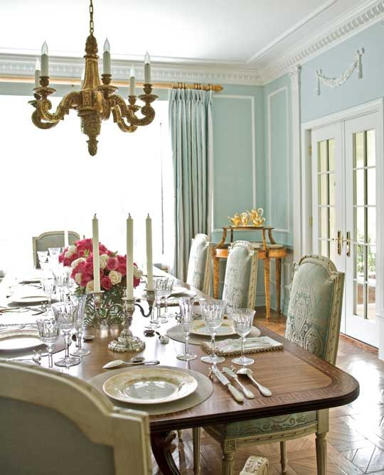 Gorgeous we 39 re big on the vintage french chandeliers for Beautiful dining room chandeliers