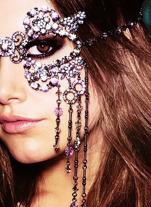 great for a masquerade ball!! if only i had one of those to go to!