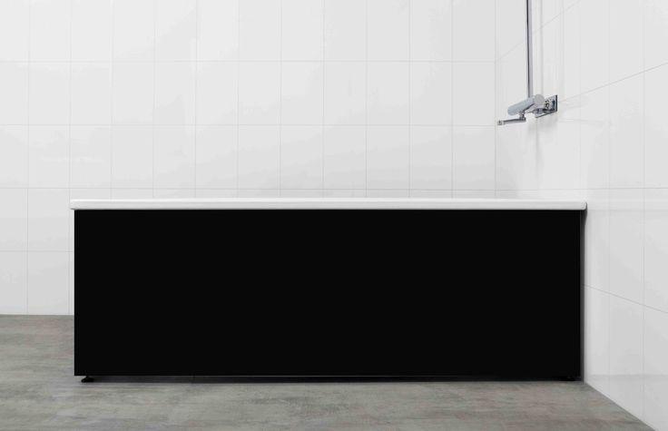 Snygg högblank svart badkarsfront från Langenfeld